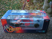 WINNERS CIRCLE 1:24 MOBIL 1 JEREMY MAYFIELD