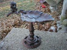 CAST IRON SQUIRREL BIRD FEEDER HOME GARDEN DECOR M