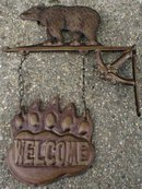 BEAR WELCOME SIGN WALL MOUNT B