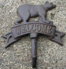BEAR WELCOME SINGLE HOOK CAST IRON WALL MOUNT B
