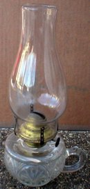 ANTIQUE OIL LAMP VINTAGE LANTERN FINGER LAMPS O