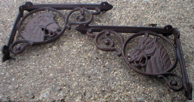 HORSE SHELF BRACKETS CAST IRON DECOR H