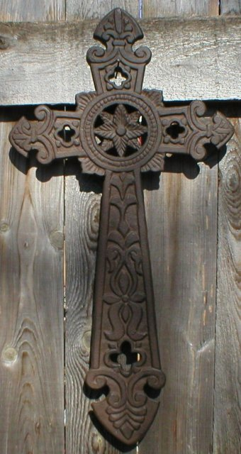 CROSS CAST IRON RUSTIC FLAT WALL DECOR