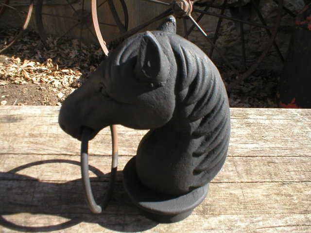 HORSE HEAD HITCH CAST IRON
