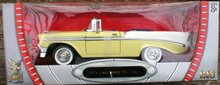 1:18 DIECAST YELLOW WHITE CHEVROLET CONVERTIBLE