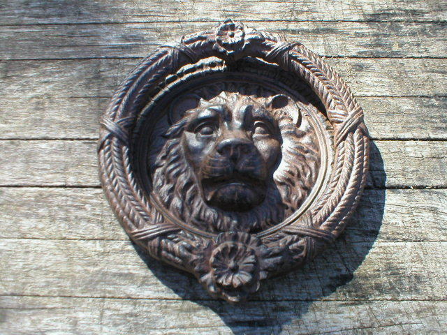 LION DOORKNOCKER  CAST IRON IRONWARE DECOR C