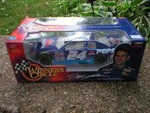 JEFF GORDON NASCAR 1:24 ACTION DIECAST CAR E