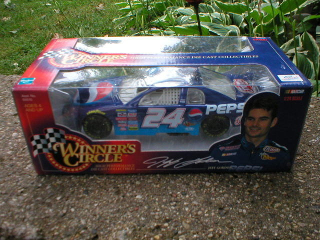 JEFF GORDON NASCAR 1:24 ACTION DIECAST CAR E