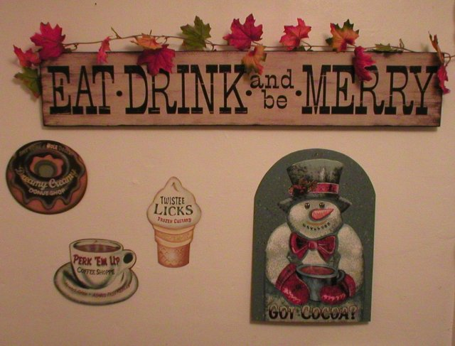 WOOD SIGN EAT DRINK BE MERRY