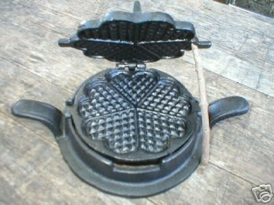 WAFFUL IRON MINIATURE HEART CAST IRON