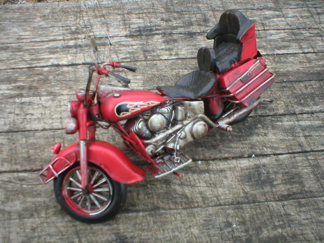 RED TIN MOTORCYCLE RUBBER TIRES