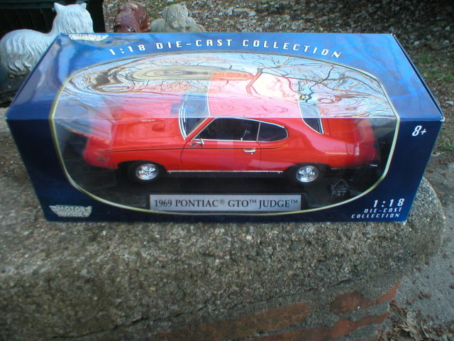 1:18 DIECAST ORANGE 1969 PONTIAC GTO JUDGE