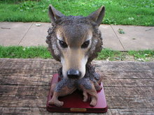 WOLF HEAD TREE STUMP FIGURINE RESIN