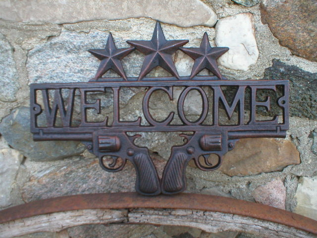CAST IRON WESTERN WELCOME SIGN STARS PISTOLS