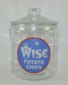 WISE POTATO CHIPS GLASS COUNTER JAR