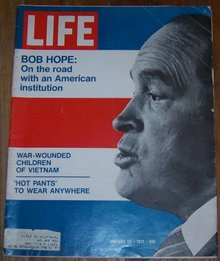 Life Magazine January 29, 1971 Bob Hope On the Road on cover