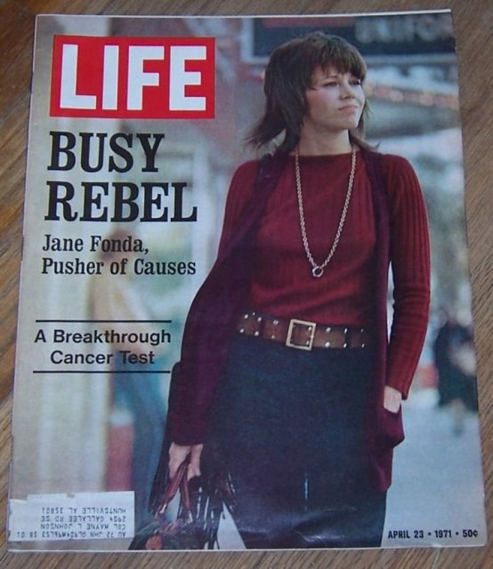 Life Magazine April 23, 1971 Busy Rebel, Jane Fonda on cover