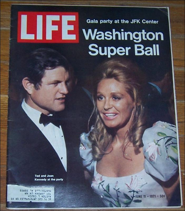 Life Magazine June 11, 1971 Ted and Joan Kennedy at the Washington Super Ball