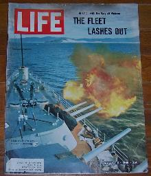 Life Magazine August 6, 1965 The Fleet Lashes Out off Vietnam on cover