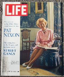 Life Magazine August 25, 1972 Pat Nixon on Cover