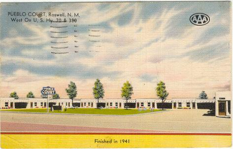 Postcard of Pueblo Court, Roswell, New Mexico 1944