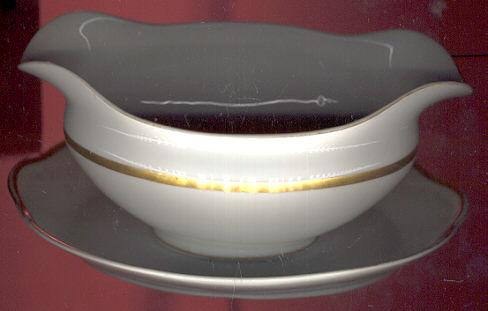 Noritake Nippon China Mikado Gravy Boat with Fast Stand
