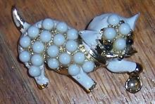 Vintage Gold Tone Kitten Pin With White Enamel and White Beads Rhinestone Eyes