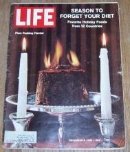 Life Magazine December 8, 1961 Plum Pudding Flambe on Cover Holiday Cooking