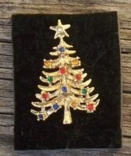 Vintage Multicolored Rhinestone Christmas Tree Gold Tone Pin