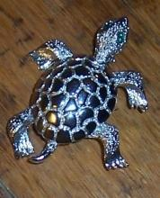 Vintage Silver Tone Turtle with Green Rhinestone Eyes Pin