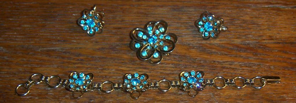 Vintage Gold Tone and Blue Rhinestone Three Piece Set Pin/Bracelet/Earrings