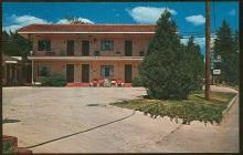 Unused VintagePostcard of Apache Court, Colorado Springs, Colorado AAA Rated