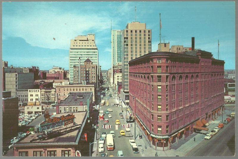 Unused Jumbo Postcard of Seventeenth Street, The Wall Street of Denver, Colorado