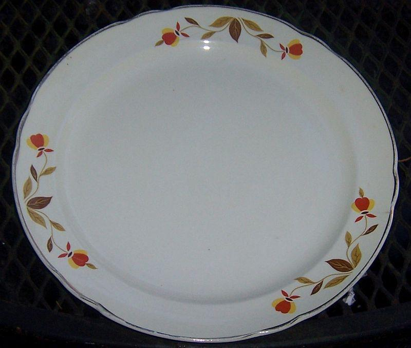 Vintage Hall China Jewel Tea Autumn Leaf Dinner Plate