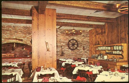 Postcard of Bell Tavern Hotel, Claridge, Memphis, Tennessee