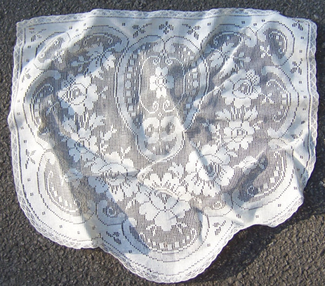 Vintage Lace Dresser Scarf with Floral Design