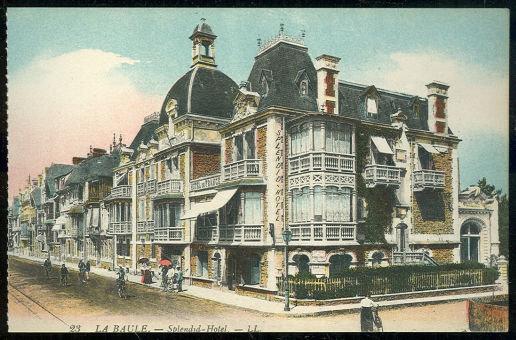 Postcard of Splendid Hotel, La Baule, France
