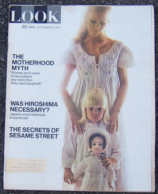 Look Magazine September 22, 1970 Motherhood on Cover