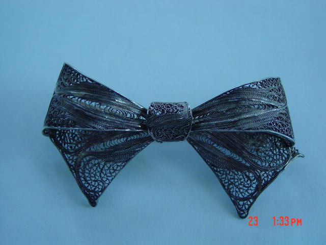 Antique Victorian Spun Silver Filigree Bow Brooch Pin