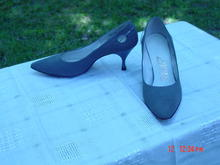Vintage Adore's Gray Suede Spike High Heel Shoes Size 6-1/2B