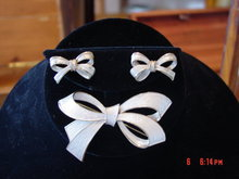 Pearl Colored Ribbon Bow Brooch Pin & Clip Earrings