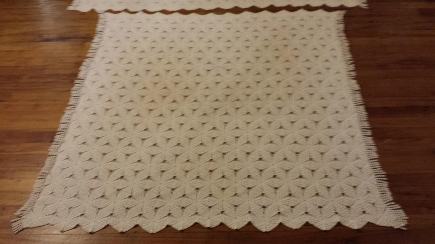 Vintage Ecru Popcorn Crocheted Coverlet Bedspread & Pillow Cover Spread
