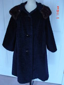 Vintage Ladies Black Boucle Wool Swing Coat Mink Collar