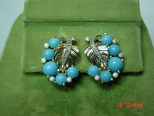 Vintage JOMAZ Turquoise Glass Cabachon Leaf Clip Earrings