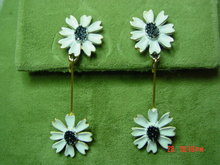 '60's Daisy Drop Clip Earrings Signed ART