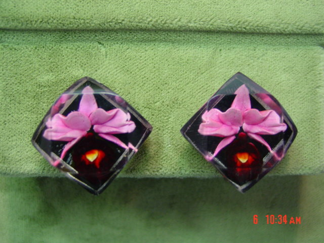 Vintage Reverse Carved Lucite Pink Orchid Screwback Earrings