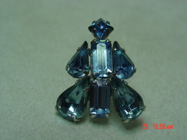 Coro Ice Blue Rhinestone Screwback Earrings