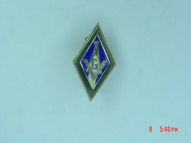Antique 10K Masonic Compass Square Pin