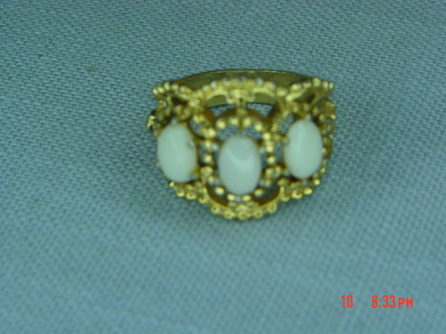 18KT HGE Gold Opal Ring Size 5