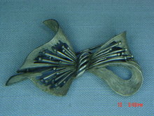 Vintage Pot Metal Art Deco Bow Pin
